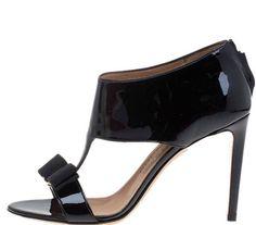 0bf62cde796b Salvatore Ferragamo Vara Bow Pellas Patent Black T-strap Sandals Sz 6 B  750