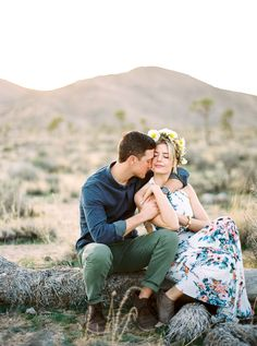 Gorgeous Joshua Tree engagement session at sunset