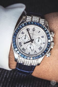 In some cases part of that image is the quantity of money you invested to use a watch with a name like Rolex on it; it is no secret how much watches like that can cost. Amazing Watches, Beautiful Watches, Cool Watches, Watches Rolex, Der Gentleman, Outfits Hombre, Swiss Army Watches, Luxury Watches For Men, Diamond Watches For Men