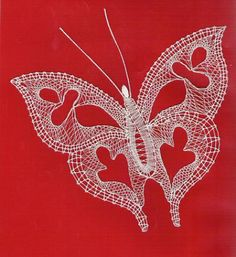 motýl polohod pláténko Fabric Stiffener, Bobbin Lacemaking, Types Of Lace, Bobbin Lace Patterns, Crochet Butterfly, Lace Heart, Point Lace, Lace Jewelry, Lace Making