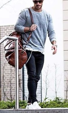 Want to show off your style and look cool and feel comfortable at the same time? We put together best casual street style men outfits! Stylish Casual Outfits For Men, Men Casual, Fashion Essentials, Style Essentials, Travel Attire, Hipster Looks, Denim Joggers, Jeans And Sneakers, Mens Fall