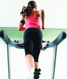 To tackle your most stubborn problem spots—and add variety to that treadmill sesh—turn your traditional stride on its side. Walk backward and your hamstrings and glutes will work harder than they do Interval Training Workouts, Treadmill Workouts, Hiit, Thigh Workouts, Cardio, Fun Workouts, Treadmill Routine, Work Harder, Fat Burning Workout Plan