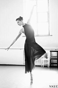 Mariinsky Ballet Principal Ekaterina Kondaurova for Vogue Russia. Photo by Patrick Demarchelier.