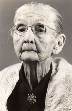 Old lady woman wrinckles aged lines of Life cracks in time powerful face intense strong glasses grey emotionel portrait photo b/w Human Reference, Photo Reference, People Photography, Portrait Photography, Street Photography, Photography Gifts, Landscape Photography, Nature Photography, Fashion Photography