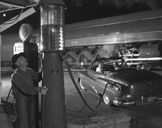 I still remember these old pumps. Told the attendant how much you wanted, they pumped it up to the top, verified the amount, and then it was gravity fed into the gas tank.