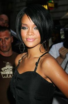 Rihanna - Her Hair Through the Years: Rihanna's Style in August 2007