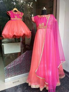 """""""Mom and Daughter"""" shout out and express your love for each other to the world with this style. Get it designer from Mom Daughter Matching Dresses, Mom And Baby Dresses, Mother Daughter Outfits, Flower Girl Dresses, Kids Lehenga, Twin Outfits, Indian Bridal Lehenga, Patiala Salwar, Plus Size Maxi Dresses"""