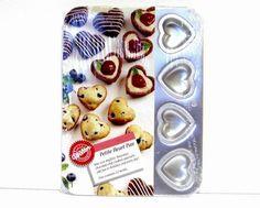 Wilton Petite Heart Pan 12 Molds Mini Muffins Brownies New