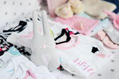 Ubranka Endo dla niemowlaka w obiektywie bloga Zatrzymując czas Sneakers, Blog, Shoes, Fashion, Tennis, Moda, Slippers, Zapatos, Shoes Outlet