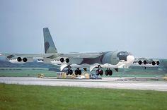 60-0058 B-52H 410th Bomb Wing, K.I.Sawyer AFB, RAF Marham 5-6-79 | par Stuart Freer - Touchdown Aviation Aircraft Parts, Boeing Aircraft, Military Jets, Military Aircraft, B52 Bomber, B 52h, Strategic Air Command, B 52 Stratofortress, Go Navy