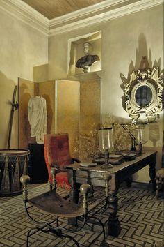 London home of interior designer Michael Inchbald.Photo - Christie's