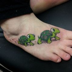 150 Popular Sea Turtle Tattoo Designs And Meanings (September - Part 2 Feather Tattoos, Foot Tattoos, Cute Tattoos, Unique Tattoos, Beautiful Tattoos, Body Art Tattoos, Small Tattoos, Tattoos For Guys, Flower Tattoos