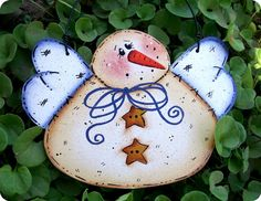 Beautiful, antiqued looking snow angel to add to your ornament collection! Simple design, yet, so charming! Great idea for gift tags, secret