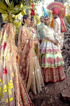 Pakistani fashion is everything. Indian Bridal Lehenga, Indian Bridal Fashion, Pakistani Bridal Wear, Pakistani Dress Design, Pakistani Couture, Indian Couture, Wedding Dresses For Girls, Indian Wedding Outfits, Indian Outfits
