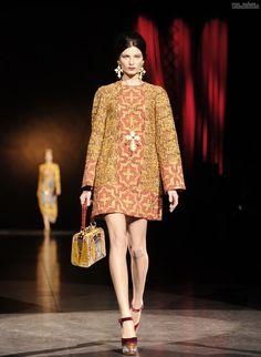 #kamzakrasou #sexi #love #jeans #clothes #dress #shoes #fashion #style #outfit #heels #bags #blouses #dress #dresses Atelier+Versace+Haute+CoutureMódne+skvosty+od+Dolce+&+Gabbana