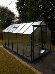 Vitavia Venus 7500 with polycarbonate glazing system which includes essential bar capping. Installed on 13.02.2018.