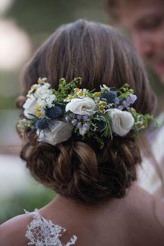 ΄Ομορφος φθινοπωρινός γάμος με rustic στοιχεία | Σοφία & Βασίλης - EverAfter Elegant Wedding Hair, Autumn Wedding, Rustic Wedding, Free Wedding, Wedding Sets, Our Wedding, Formal Hairstyles, Flower Hairstyles, Wedding Hairstyles