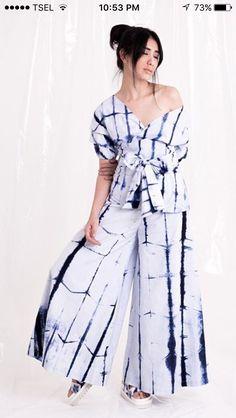 { The Style Counsel } Resort Tie Dye Fashion, Batik Fashion, How To Tie Dye, How To Dye Fabric, Textiles, Indonesia Fashion Week, Diy Clothes, Clothes For Women, Kaftan