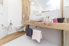 Bagni piccoli: 15 soluzioni per una ristrutturazione moderna! Ispiratevi Beauty Blender Video, Beauty Hacks Video, Minimalist Interior, Modern Interior, Salon Lighting, Fashion Lighting, Diy For Teens, Bath Caddy, White Walls
