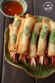 Fried-spring-roll-prawns  http://nasilemaklover.blogspot.sg/2013/05/deep-fried-spring-roll-prawns.html#more