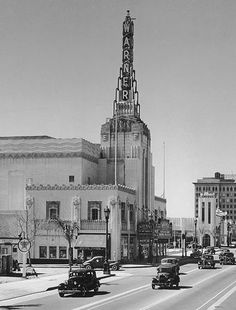 Warner Bros. Theater, Los Angeles  Demolished in 1988/9, this fantastic Art Deco Theater sat on Wilshire Boulevard, in Beverly Hills.