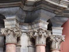 Antonio Ramos. Detalle de la portada-retablo de la fachada del Palacio Episcopal de Málaga. M. S. XVIII. Málaga