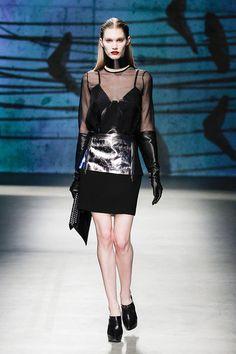 Kenneth Cole - Ready-to-Wear - Fall-winter 2013-2014  http://en.flip-zone.com/fashion/ready-to-wear/fashion-houses-42/kenneth-cole