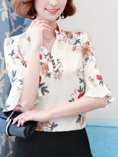 V-Neck Printed Bell Sleeve Blouses Cheap Blouses, Cheap T Shirts, Shirt Blouses, Blouses For Women, Blouse Styles, Blouse Designs, Bell Sleeve Blouse, Blouse Online, Types Of Sleeves