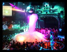 Not sure where this picture was taken but I was in Cancun for my foam party. Sooooo much fun and funny! Foam Party, Glow Party, Ibiza Party, Frat Parties, Night Pictures, Before I Die, Party Looks, Festival Party, Summer Fun