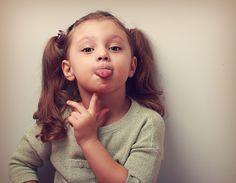 Terapia de lenguaje. Ejercicios para fortalecer los músculos de la boca, jugando.
