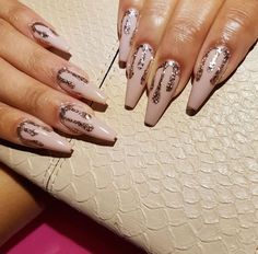 This series deals with many common and very painful conditions, which can spoil the appearance of your nails. But for you, nail technicians, this is not a problem! SPLIT NAILS What is it about ? Nails are composed of several… Continue Reading → Rose Gold Nails, Nude Nails, Gold Stiletto Nails, Pink Nails, Nails Polish, Gel Nails, Coffin Nails, Toenails, Gorgeous Nails