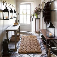 Modern Home interior Design Kitchen - Country Home interior Bedrooms - - Home interior Design Videos Kerala - Beautiful Home interior Paint Colors Rustic Entryway, Entryway Decor, Entryway Furniture, Furniture Ideas, Diy Home Decor, Room Decor, Spanish Style Homes, Farmhouse Remodel, Foyer Decorating