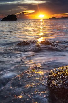 Calaguas Island, Philippines Sunset | 15 Breathtaking Places To Go Soul-Searching In The Philippines
