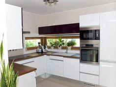 Családi ház konyhája - Modern konyha beépített bútorokkal és gépekkel - konyha / étkező ötlet, modern stílusban Kitchen Design, Kitchen Ideas, Kitchen Cabinets, Modern, Table, House, Furniture, Home Decor, Kitchens