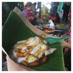 #latepost  Bubur Madura Pasar Atum (IDR8k). This is one of traditional food from Madura Indonesia. You must try it when you #visitindonesia . I buy it at Pasar Atum Surabaya she ready around 11am  #food #foodie #foodgram #foodporn #foodreview #traditionalfood #marketfood #buburmadura #buburmadurapasaratom #indonesianfood #culinary #kulinersurabaya #kulinersby #visitsurabaya by keldagio