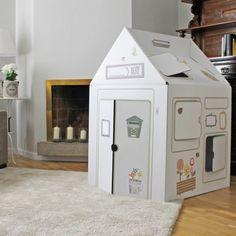 Cabane en carton - This Is Karton Cardboard Box Playhouse Diy, Cardboard Box Crafts, Cardboard Furniture, Cardboard Kids, Furniture Making, Cool Furniture, Carton Diy, Ramadan Crafts, Natural Toys