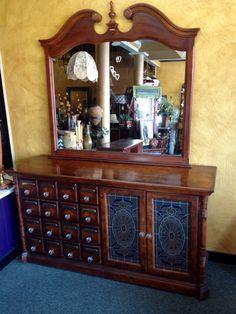 Apothecary dresser