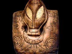 Artefacts provenants principalement des sites de Calakmul et d'Aztlan au Mexique; Plusieurs centaines d'objets, qui auraient étés découverts par l'INAH il y a près de 80 ans. Ils auraient étés conservés à l'abri du public jusqu'en 2011, puis le gouvernement mexicain aurait autorisé leur exposition. Ils ont étés depuis utilisés pour des présentations de Nassim Haramein et Klaus Dona. Ils vont également faire l'objet d'un documentaire de Juan Carlos Rulfo, prévu depuis 2011.
