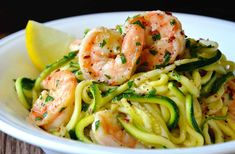 Spiralizer Recipes: Skinny Shrimp Scampi with Zucchini Noodles Recipe Zucchini Noodle Recipes, Fish Recipes, Seafood Recipes, Paleo Recipes, Low Carb Recipes, Dinner Recipes, Cooking Recipes, Delicious Recipes, Recipe Zucchini