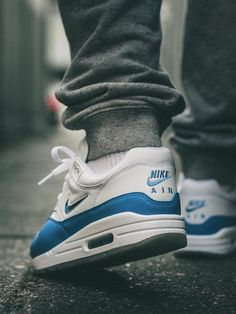Nike Air Max 1 Jewel University Blue - 2017 (by maikelboeve)