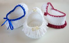 Mamma That Makes: Cherub Comfort Cradle ~ **Free Crochet Pattern ~ Precious** Crochet Doll Clothes, Doll Clothes Patterns, Crochet Dolls, Crochet Yarn, Doll Patterns, Free Crochet, Crochet Crafts, Crochet Projects, Doilies