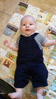 Gorgeous cutey-pie Jacob on his new baby quilt!  If you fancy a quilt for your tiny human, or for a friend, drop me a line! Either made in super soft flannel cotton, or regular cotton. <3 <3 <3
