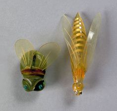 Two rare bakelite and lucite bugs Vintage Costume Jewelry, Vintage Costumes, Vintage Jewelry, Vintage Items, Antique Jewelry, Plastic Plastic, Plastic Jewelry, Beautiful Bugs, Insect Jewelry