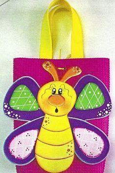 Paper Art, Paper Crafts, Diy Crafts, Foam Sheet Crafts, Horse Quilt, Crafts For Kids, Arts And Crafts, Cricut Cards, Butterfly Cards