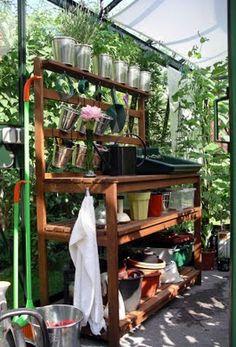 Planteringsbord i växthus
