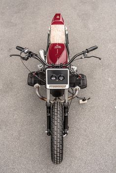 A slim tracker-style BMW R75/7 from Switzerland's VTR Customs.