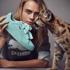 Cara Delevingne poses with feline friend for Puma campaign Puma Suede, Cara Delevingne Style Casual, Sport Fashion, Look Fashion, Fashion Brands, Luxury Fashion, Fashion Models, Fashion Beauty, Puma Heart