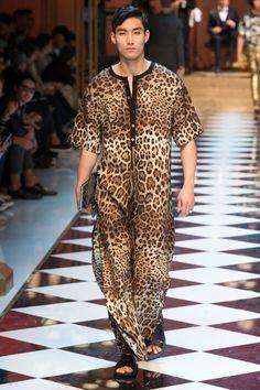 Dolce & Gabbana Spring 2017 Menswear Fashion Show