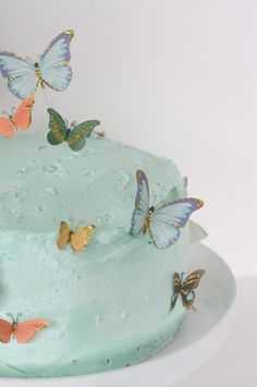 butterfly cake decor - so pretty for a garden party #12Monthsofmartha
