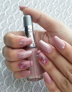 45 Fotos de Unhas decoradas com flores – Passo a passo Pink Nails, Cute Nails, Nail Art Designs, Samara, Mix, Beauty, Nail Art Flowers, Edgy Nail Art, Colorful Nails